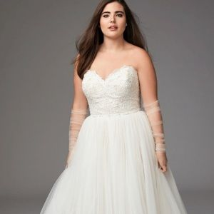 Watters Sheridan Plus Size Wedding Dress